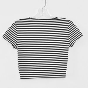 Forever 21 Tops - 💘 Forever 21 Women's Stretch Striped Crop Top S